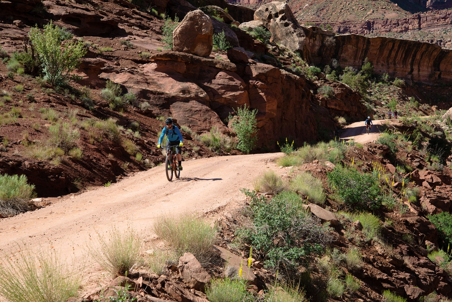 Canyonlands-National-Park-Full-Day-Guided-Mtb-Below-Intersection-2