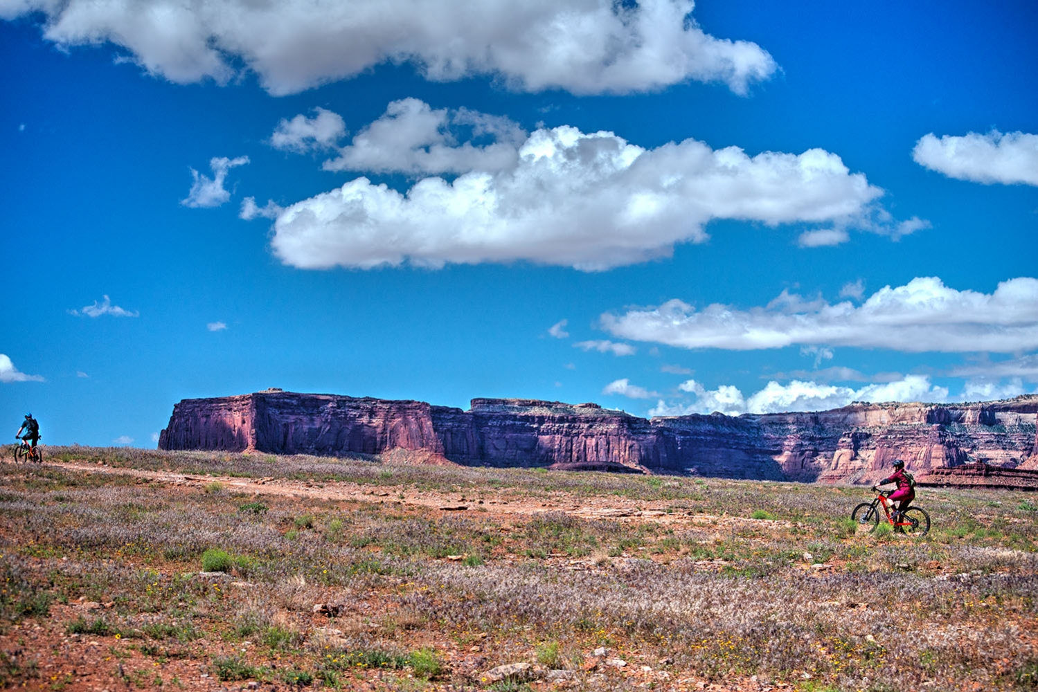 Canyonlands-National-Park-Full-Day-Guided-Mtb-Tour-2-On-Horizon-To-Lunch-1