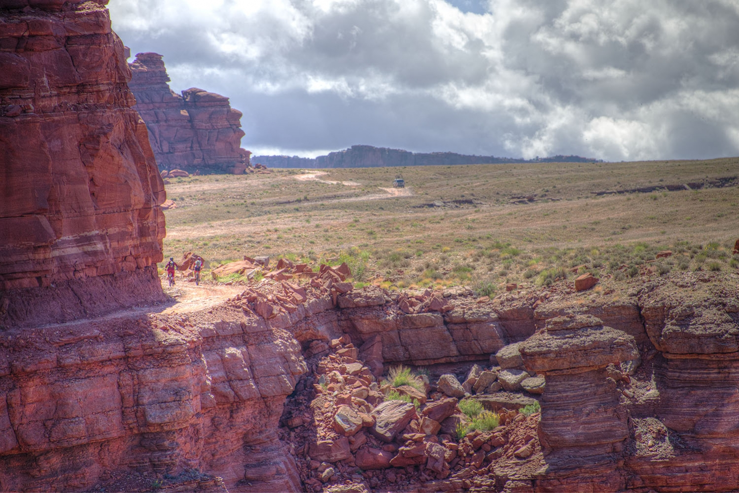 Canyonlands-National-Park-Full-Day-Guided-Mtb-Tour-2-Other-Side-Canyon-1