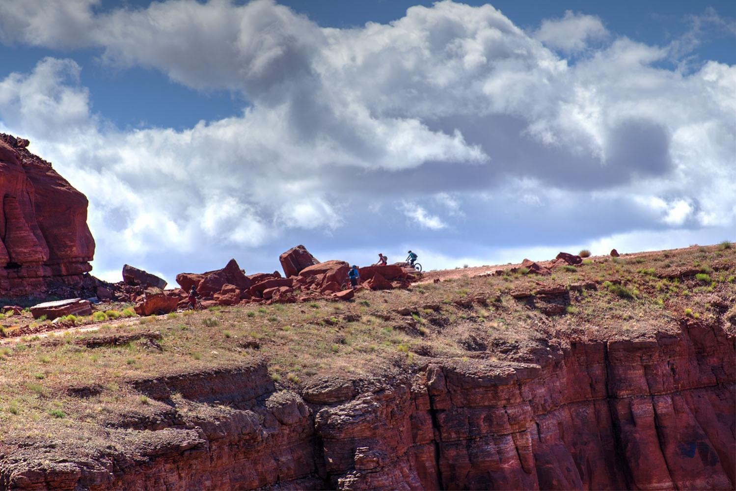 Canyonlands-National-Park-Full-Day-Guided-Mtb-Tour-Climb-Horizon-1