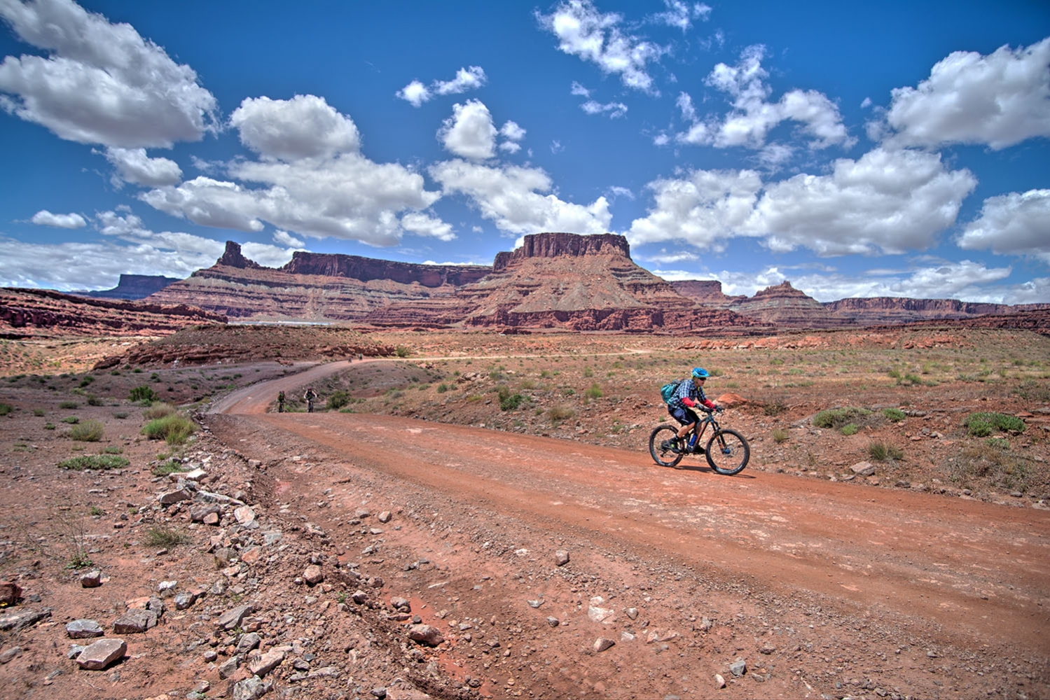 Canyonlands-National-Park-Full-Day-Guided-Mtb-Tour-Past-Mine-Pools-1