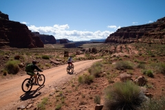 Canyonlands-National-Park-Full-Day-Guided-Mtb-Tour-Passing-Sign-2