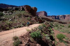 Canyonlands-National-Park-Full-Day-Guided-Mtb-Tour-Below-Intersection-1