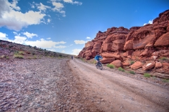 Canyonlands-National-Park-Full-Day-Guided-Mtb-Tour-Down-From-Lunch-Up-The-Hill