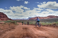 Canyonlands-National-Park-Full-Day-Guided-Mtb-Tour-Past-Exit-Sign-Away-1