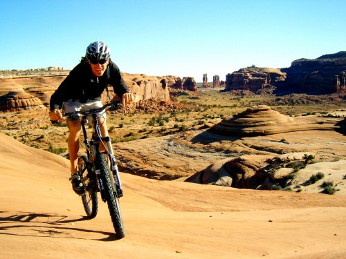This mountain bike rider discovers that Bartlett Wash is a slickrock open play area like no other