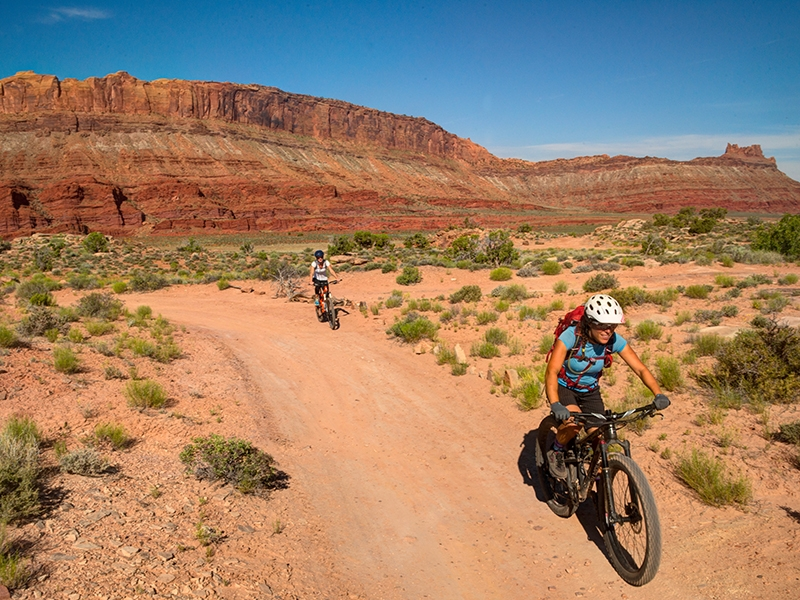 Courthouse Morning Cliffs Introduction to Moab Mountain Biking