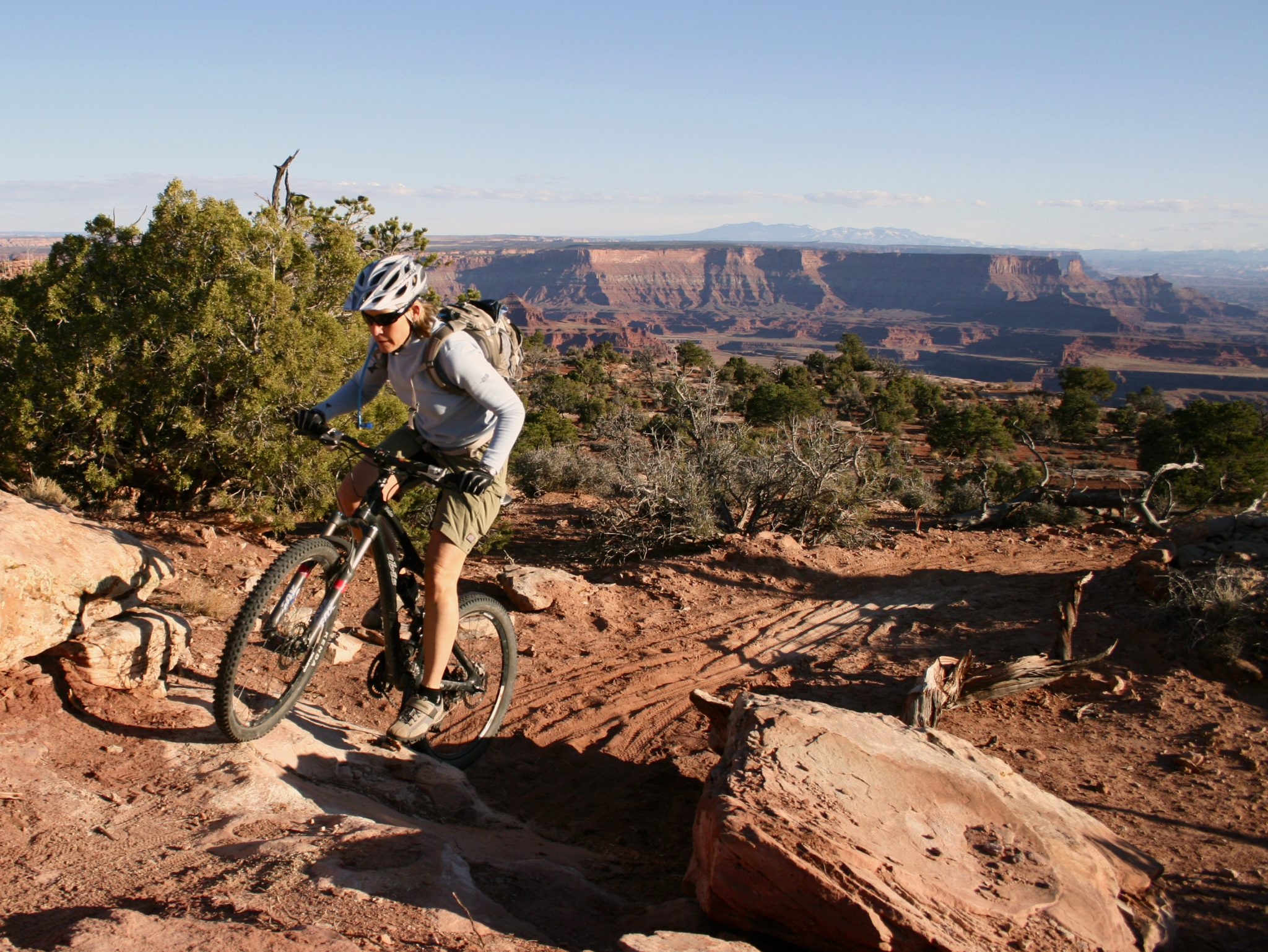 Views from Dead Horse Singletrack down into the Colorado River basin make it one of the most popular mtb trails in Moab