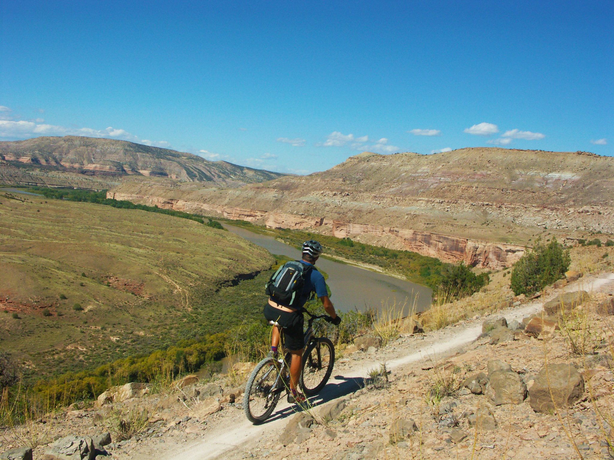 Kokopelli Trail, strong intermediate, mixed singletrack and doubletrack, guided mountain biking