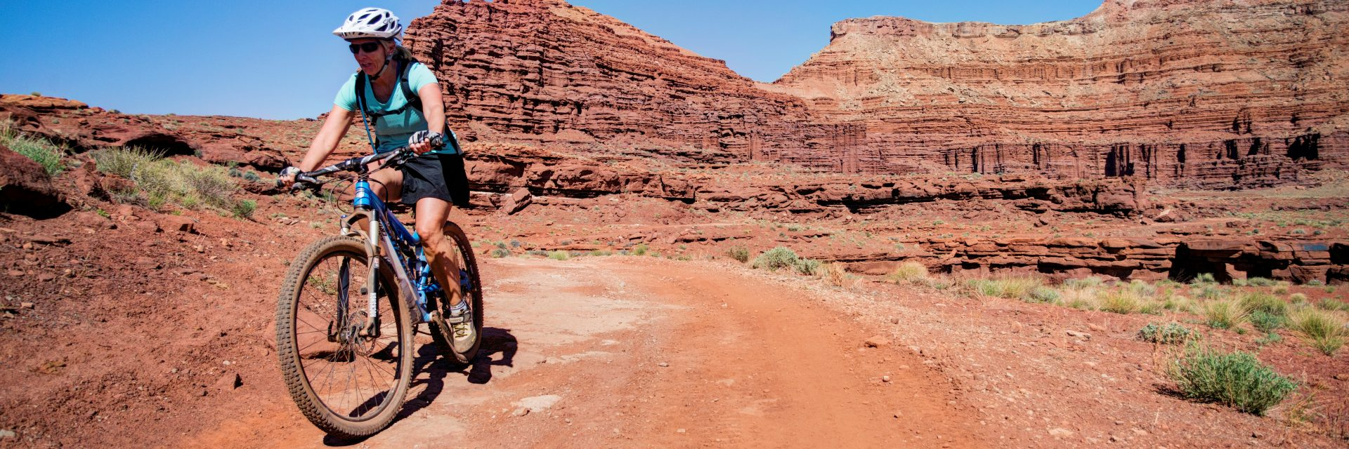 Passing out of Lockhart Basin, Needles to Moab mountain bike tour