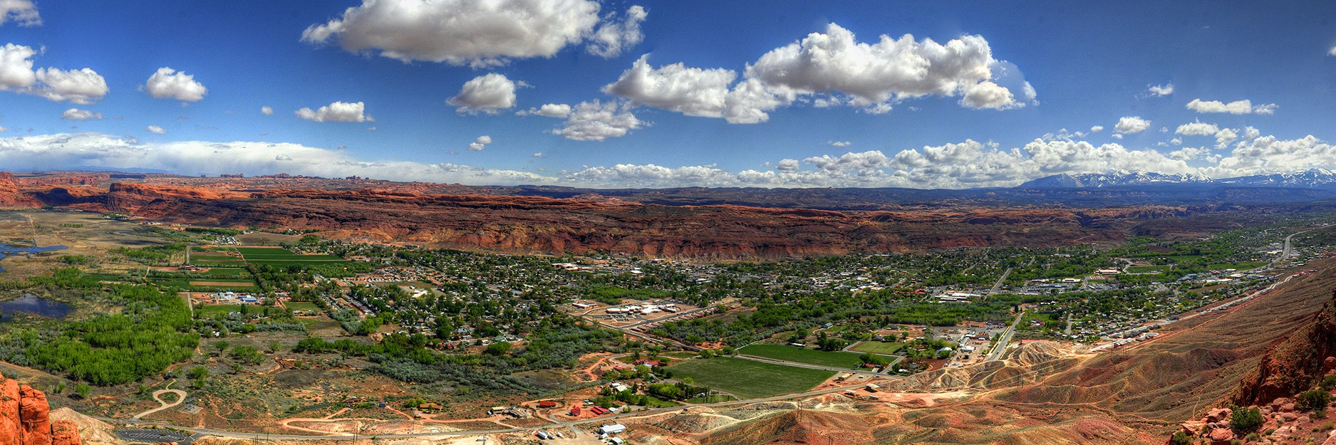 A view of the town of Moab, Utah from The Moab Rim Trail