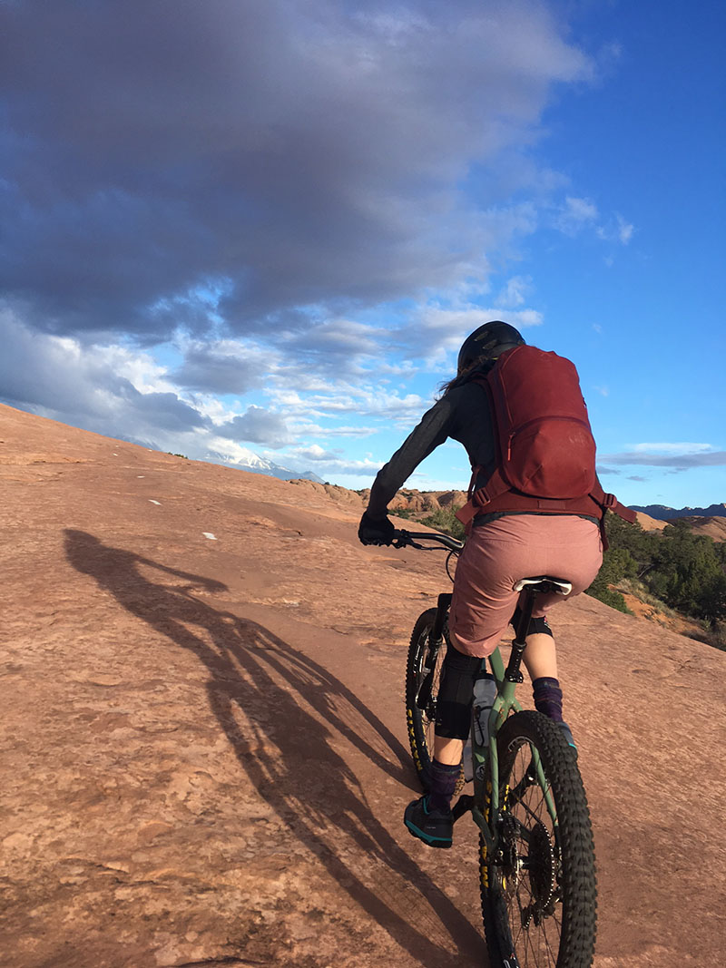 Rider with Hydroflask 20 L pack
